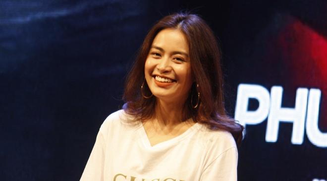 Hoang Thuy Linh: 10 nam mai miet lay lai danh du va tu trong hinh anh