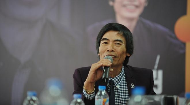 TS Le Tham Duong: 'Toi thay bi xuc pham truoc sach gia' hinh anh 2