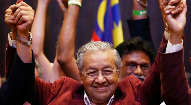 Mahathir Mohamad: Tu bac si phau thuat den thu tuong Malaysia hinh anh