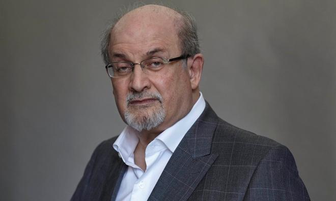 Salman Rushdie noi ve tac pham tien tri chien thang cua Donald Trump hinh anh 1