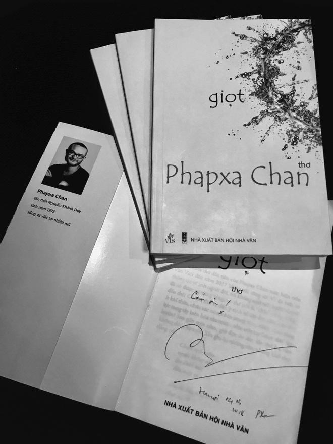 Doc tho Phapxa Chan: 'It nhat cung khien long ta bot tui' hinh anh 2