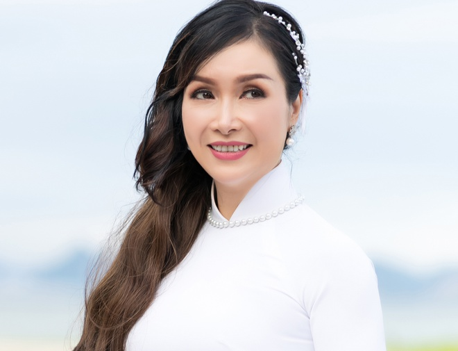 Hoa hau Bich Phuong: 'Ngay xua doi, di thi sac dep ai cung eo thon' hinh anh