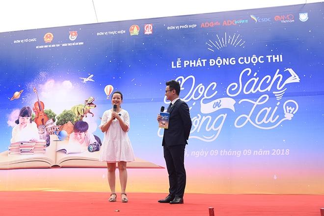 Nghe si Xuan Bac: 'Doc sach tao ra su phong phu cho cuoc song' hinh anh 6