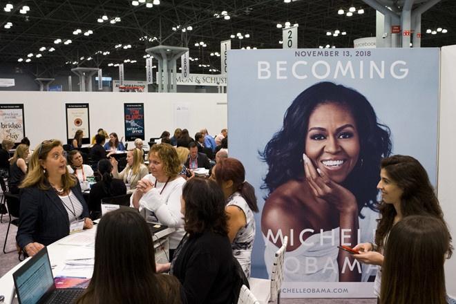 Su kien quang ba sach cua ba Michelle Obama tai chau Au chay ve hinh anh 2