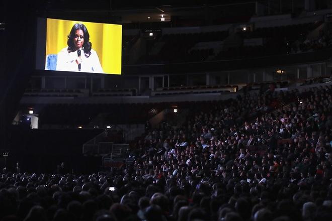 Su kien quang ba sach cua ba Michelle Obama tai chau Au chay ve hinh anh 1