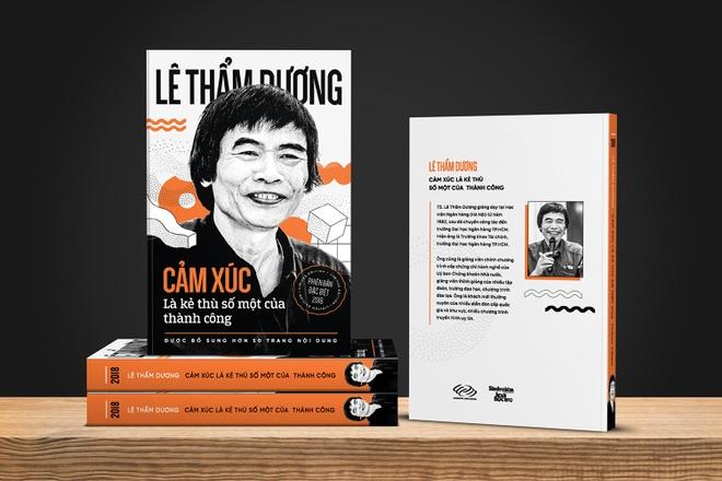 TS Le Tham Duong: 'HLV Park Hang-seo giup bong da Viet sang trang' hinh anh 1