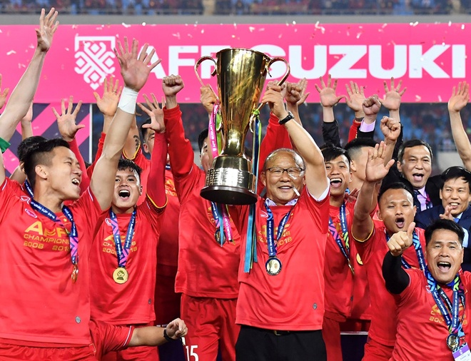 TS Le Tham Duong: 'Toi van nghet tim vi Viet Nam vo dich AFF Cup' hinh anh
