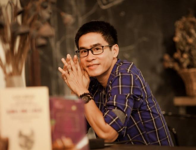 Nha tho Phong Viet: 'Phai viet, neu khong toi se stress, tram cam' hinh anh