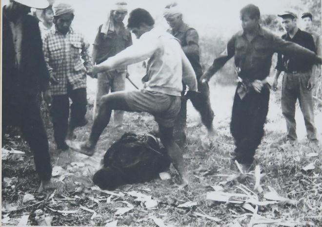 Nhung hinh anh man ro cua quan Pol Pot khi giet hai nguoi dan An Giang hinh anh