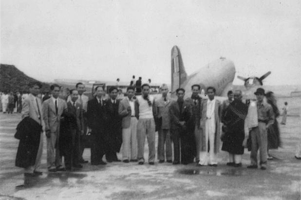 Hinh anh quy gia ve phai doan Quoc hoi Viet Nam tham Phap nam 1946 hinh anh 3