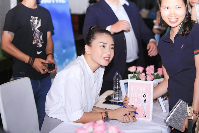 Ngo Thanh Van: 'Khi bi tung anh nude, cach tot nhat la im lang' hinh anh 1