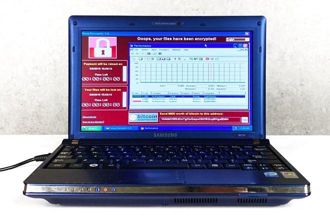 Laptop chua virus doc hai ban trieu USD anh 1