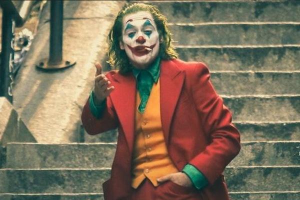 Diep vien 007, Wonder Woman gop cong giup 'Joker' thu 1 ty USD hinh anh 1