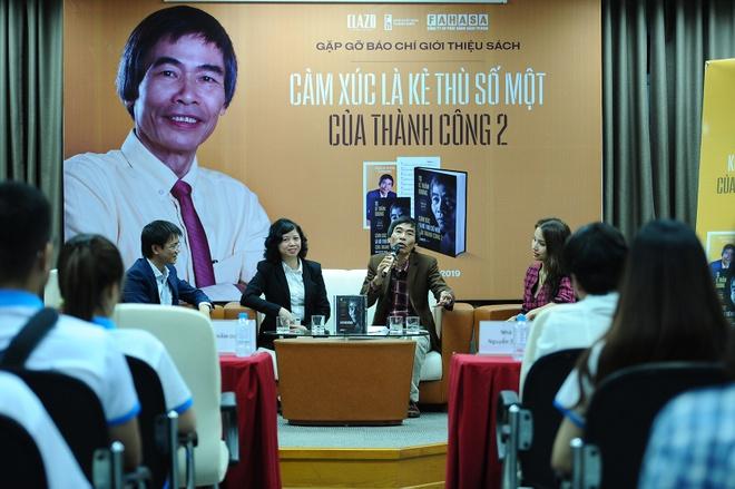 MC Van Hugo: 'Toi la fan cua TS Le Tham Duong' hinh anh 1