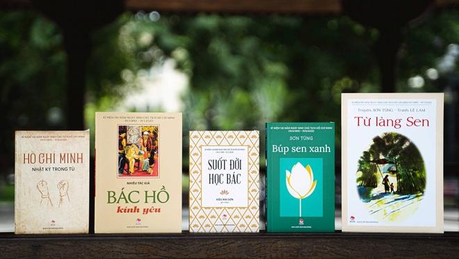 Trien lam truc tuyen sach ve Chu tich Ho Chi Minh hinh anh 2 Bo_sach_ve_Bac.jpg