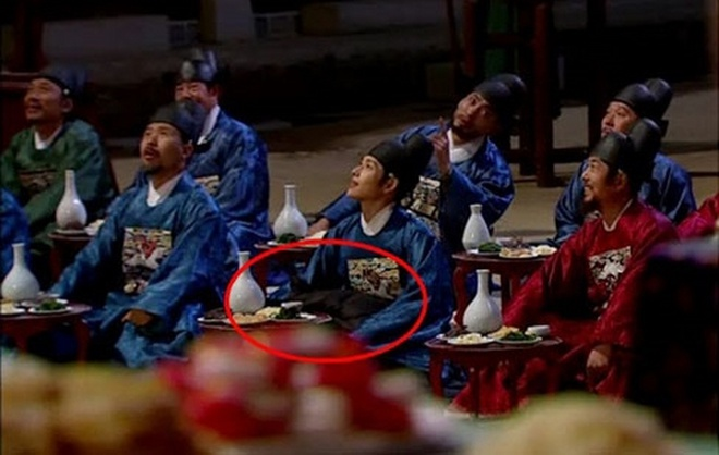 Loi trang phuc ngo ngan trong phim Han hinh anh 7