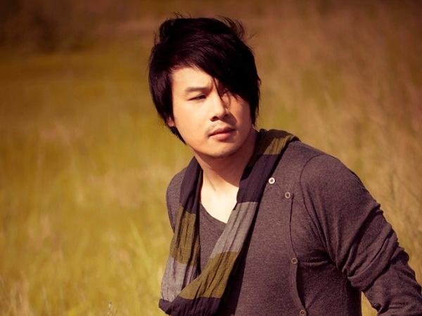 Thanh Bui hat ca khuc Help hinh anh