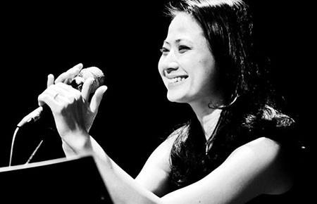 Giang Trang lanh minh khoi showbiz de hat nhac Trinh hinh anh 1