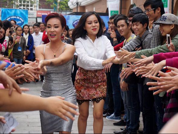 Ngung cap phep nhieu chuong trinh: Thap thom doi cho hinh anh