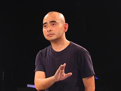 Duc Tri 'pha le', lan dau ngoi ghe nong Vietnam Idol hinh anh