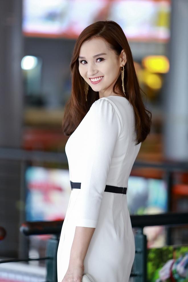 La Thanh Huyen lan dau gioi thieu bo me chong hinh anh 1