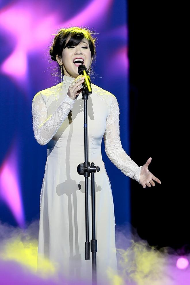 My Tam, Hong Nhung da diet tren san khau hinh anh 4