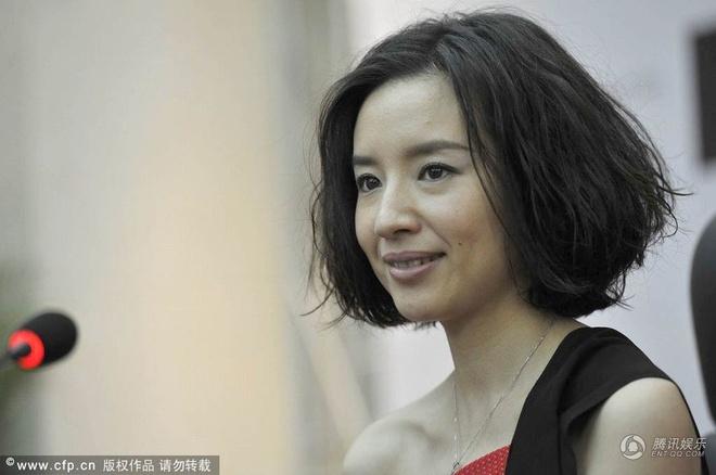 Duong tinh lan dan cua my nhan trong phim Truong Nghe Muu hinh anh 9
