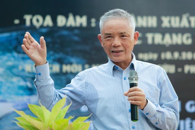 Nha phe binh Vuong Tri Nhan va giac mo ve nhung 'ong trum xuat ban' hinh anh