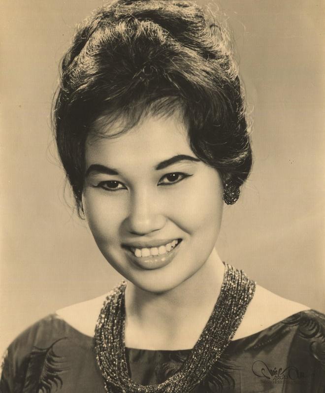 Thanh Nga, Tham Thuy Hang goi cam qua tay may Vien Kinh hinh anh 5
