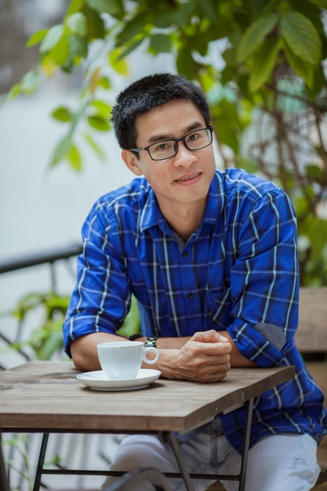 Nguyen Phong Viet ra mat tap tho moi 'Sao phai dau den nhu vay' hinh anh 2