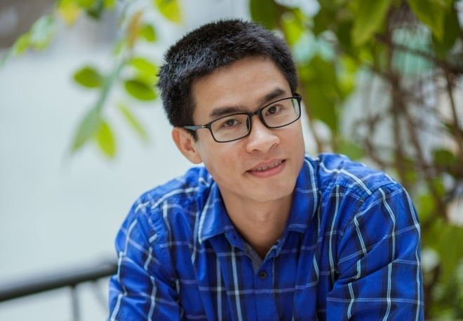 Nguyen Phong Viet ra mat tap tho moi 'Sao phai dau den nhu vay' hinh anh