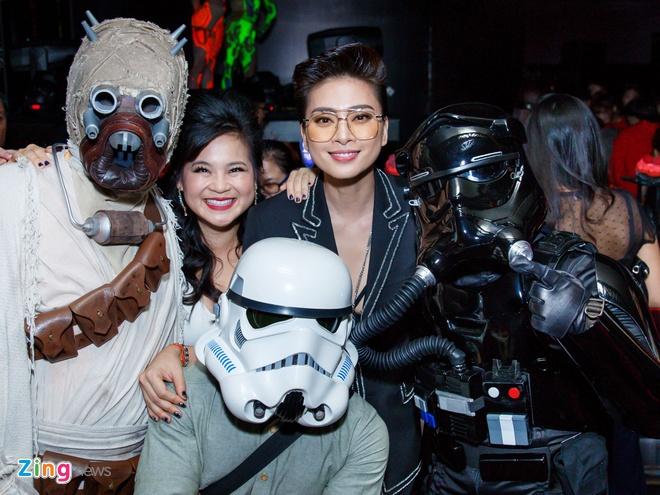 Nu dien vien goc Viet dong bom tan 'Star Wars' den Viet Nam hinh anh