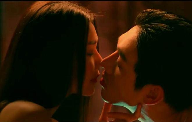 'Me chong': Nang dau, me chong long lay nhu minh tinh giua lang que hinh anh