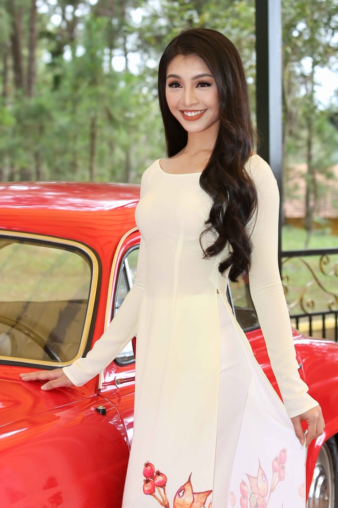 Top 45 Hoa hau Hoan vu Viet Nam dien ao dai giua doi thong Da Lat hinh anh 1