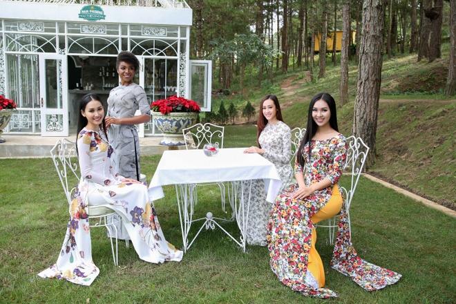Top 45 Hoa hau Hoan vu Viet Nam dien ao dai giua doi thong Da Lat hinh anh 7