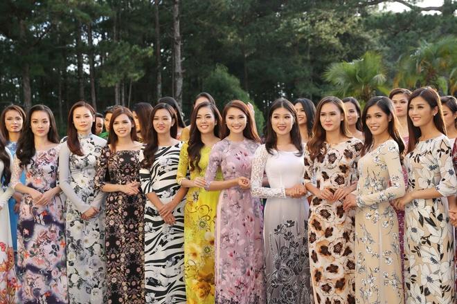 Top 45 Hoa hau Hoan vu Viet Nam dien ao dai giua doi thong Da Lat hinh anh 17