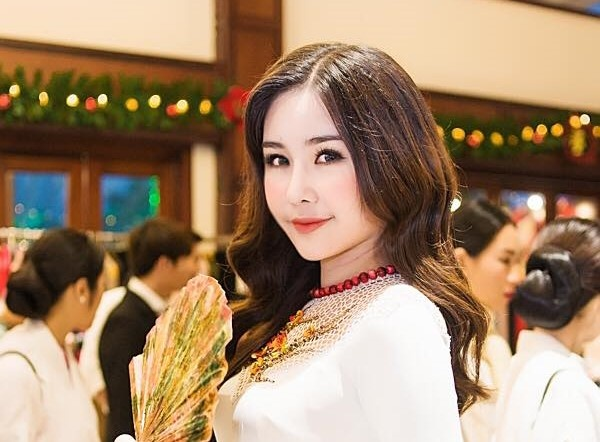 Hoa hau Dai duong bac chuyen mua ao dai 700 trieu roi 'chay lang' hinh anh