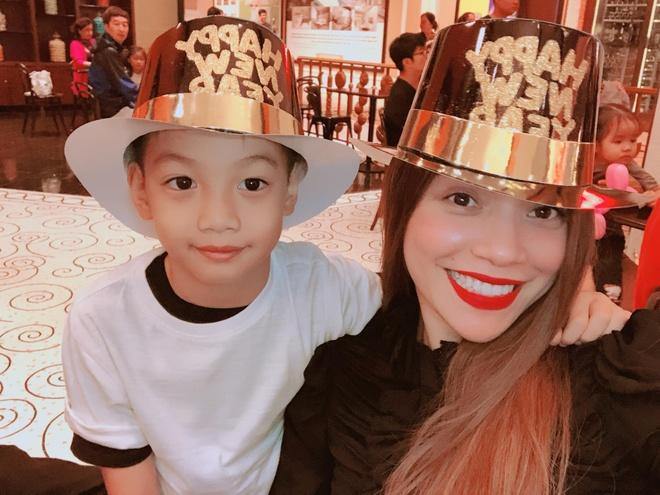 Sao Viet don 2018: Ha Ho chay so voi con trai, My Tam vuot ma Isaac hinh anh