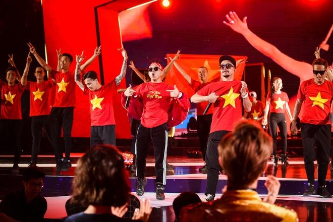 Nhung man bieu dien tai Zing Music Awards 2017: Tu hao Viet Nam! hinh anh