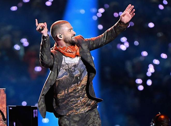 Justin Timberlake ngam nhac den vu Janet Jackson khi hat o Super Bowl hinh anh
