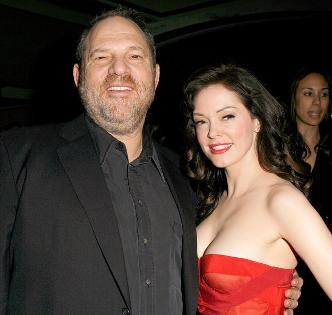 Nan nhan cua ong trum Hollywood bi to gay ap luc khien quan ly tu tu hinh anh 1