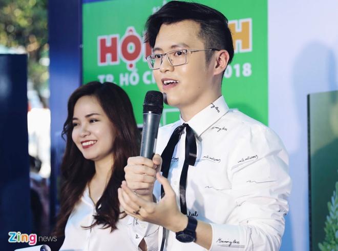 Jun Pham, S.T (365) mung tac gia ban chay Anh Khang ra sach moi hinh anh