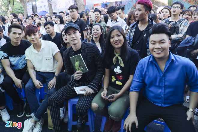 Jun Pham, S.T (365) mung tac gia ban chay Anh Khang ra sach moi hinh anh 1