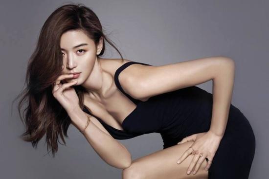 Jun Ji Hyun: 'Mo chanh' quyen ru doc nhat vo nhi cua showbiz Han hinh anh