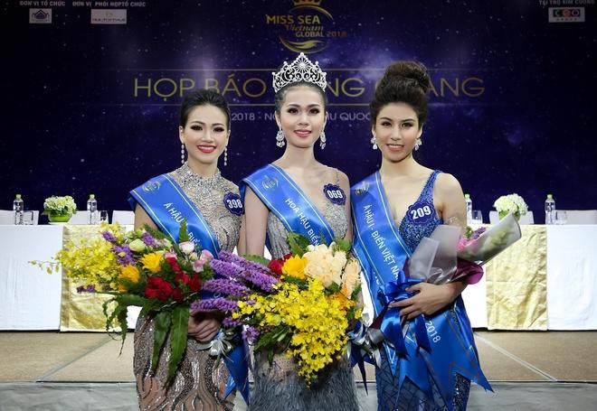 BTC Hoa hau Bien phan hoi ve man ung xu '12 huyen dao' cua tan hoa hau hinh anh 1