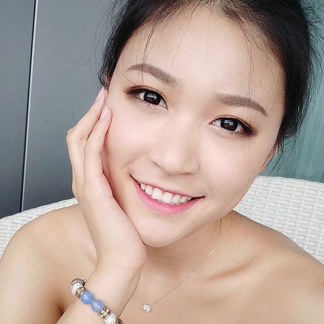 Dai dien Trung Quoc o Hoa hau Hoan vu 2018 bi che nhan sac binh thuong hinh anh 3