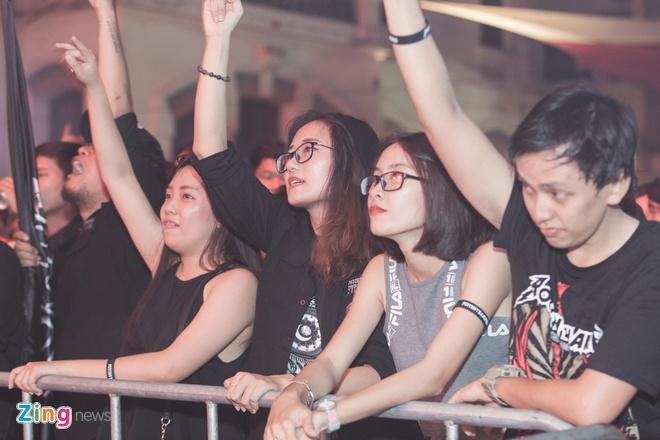 Rockshow lon nhat 2018 chay het minh du vang Pham Anh Khoa hinh anh