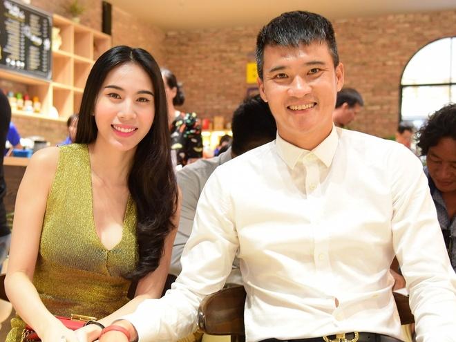 Cong Vinh: 'Thuy Tien khuyen toi viet tu truyen de lam tu thien' hinh anh