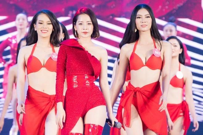 Tong duyet Hoa hau Viet Nam: Thi sinh dien bikini do ruc ben Chi Pu hinh anh