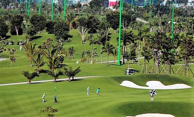 San golf canh phi truong Tan Son Nhat xua: Ai so huu, ai choi? hinh anh